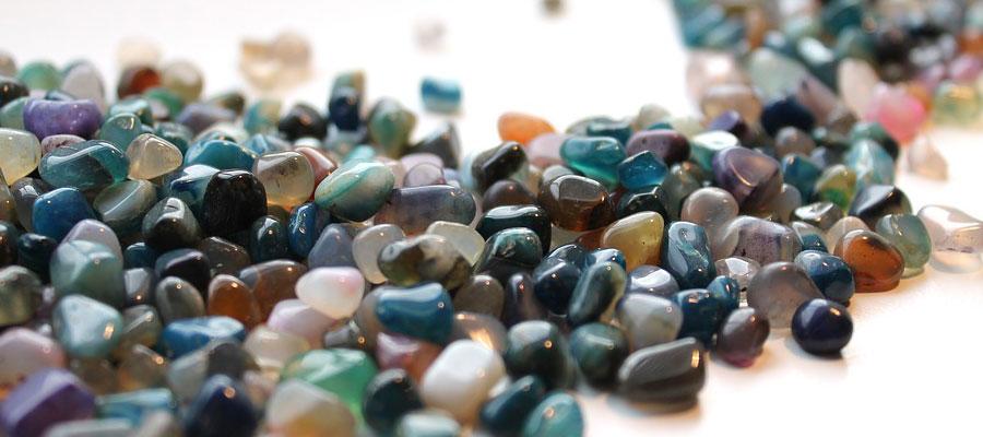 des bijoux en pierres naturelles